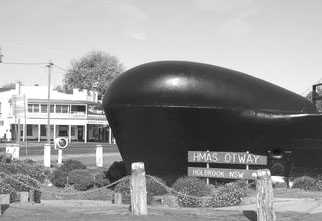 Submarine in the Bush – Holbrook NSW