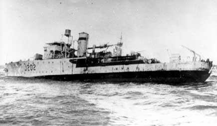 HMAS Warrnambool after hitting a mine (Image: Seapower Centre)