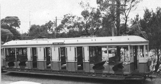 Sydney Tram of the era image courtesy of Sydney Tramways Museum