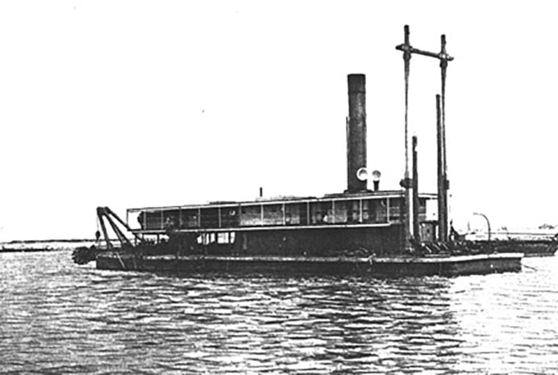 The dredger Glaucus was built at Cockatoo Island in 1903