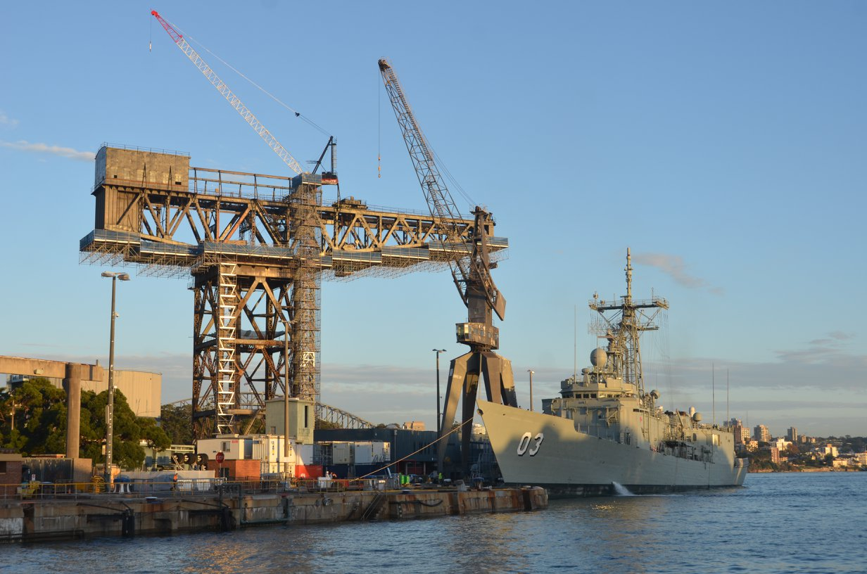 March 2014 HMAS Sydney and the 250ton Hammerhead Crane both with their time running out