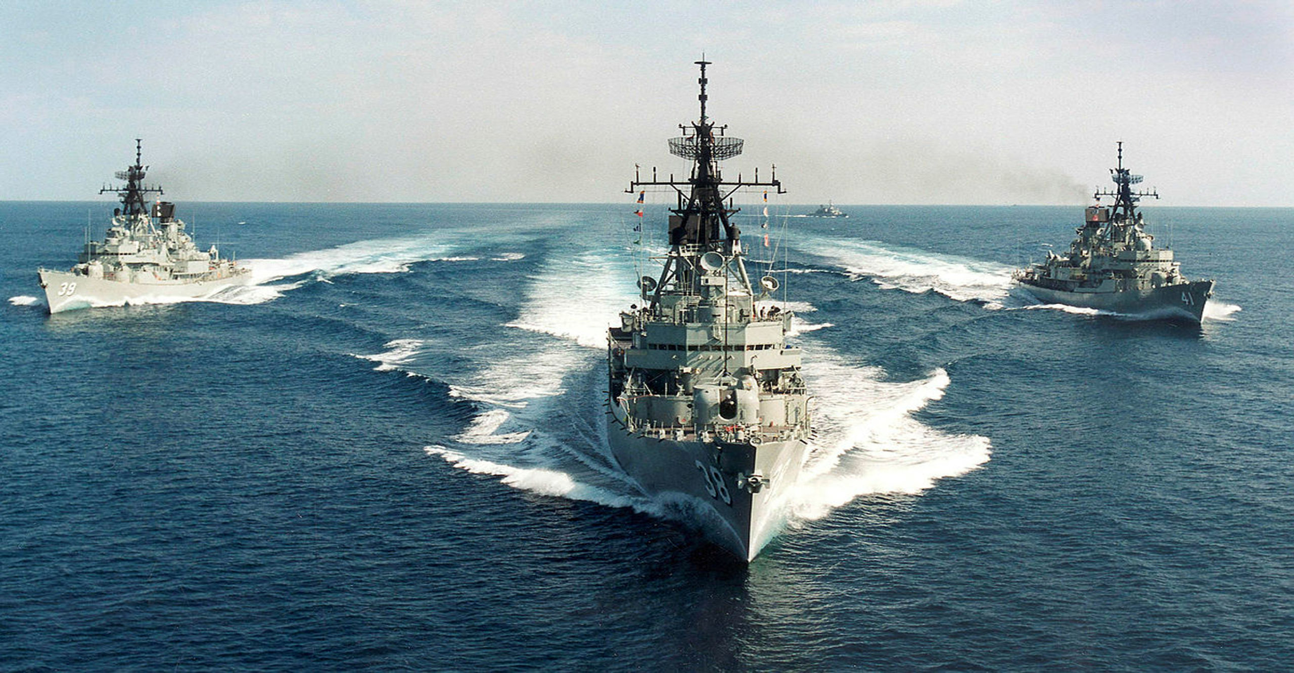 RAN DDG HMAS Brisbane, Hobart and Perth